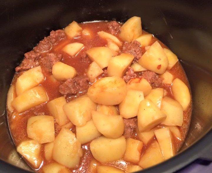 Steak haché, pommes de terre au cookeo