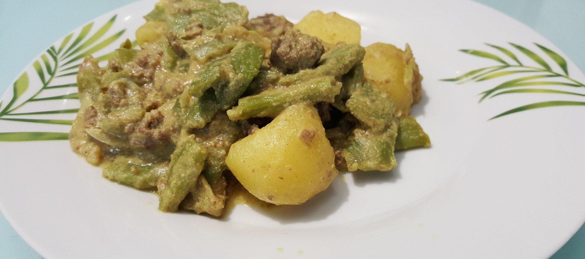 Steaks hachés, pommes de terre et haricots verts au cookeo