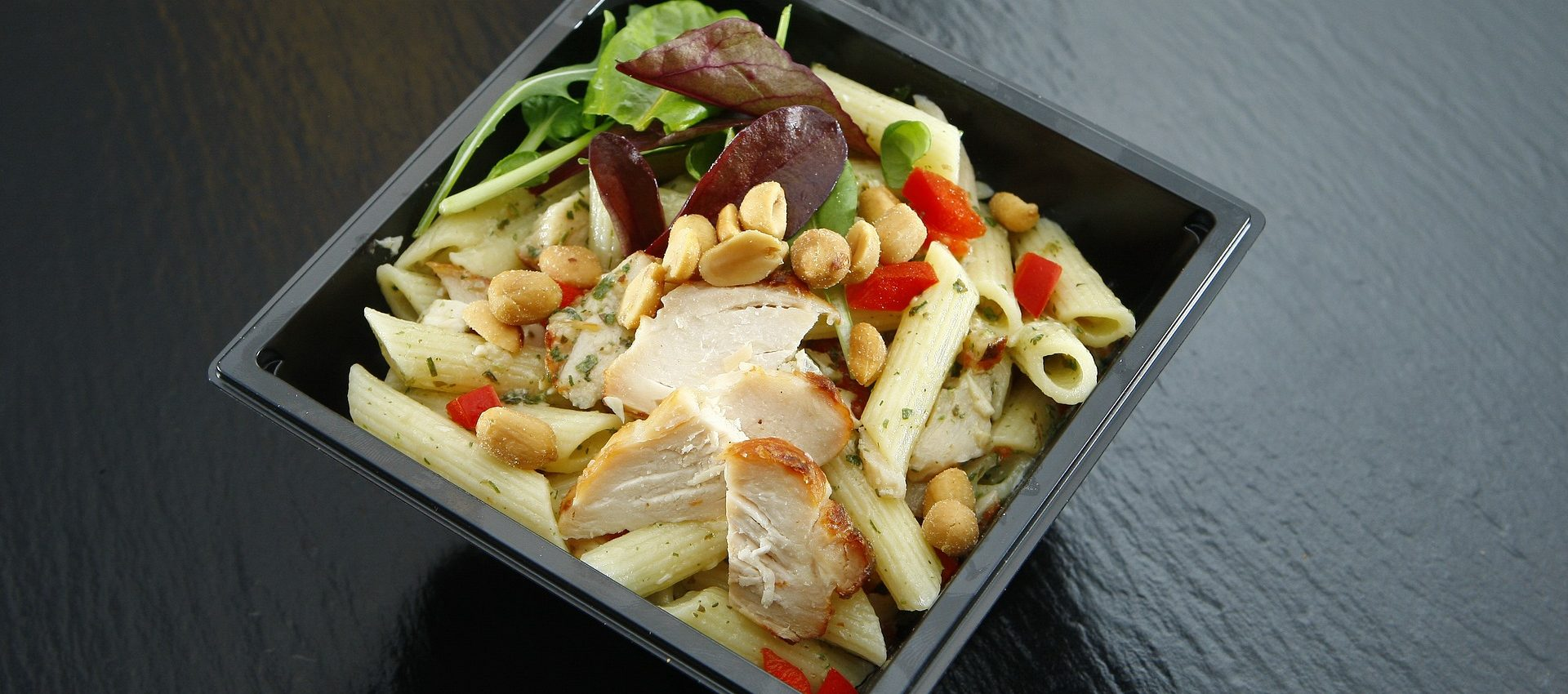 Salade de pâtes cacahuète poulet au cookeo