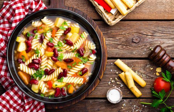 Soupe Minestrone pâtes et légumes au cookeo