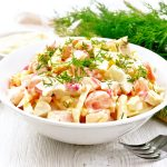 Salade de surimi et oeuf au robot multi-cuiseur cookéo