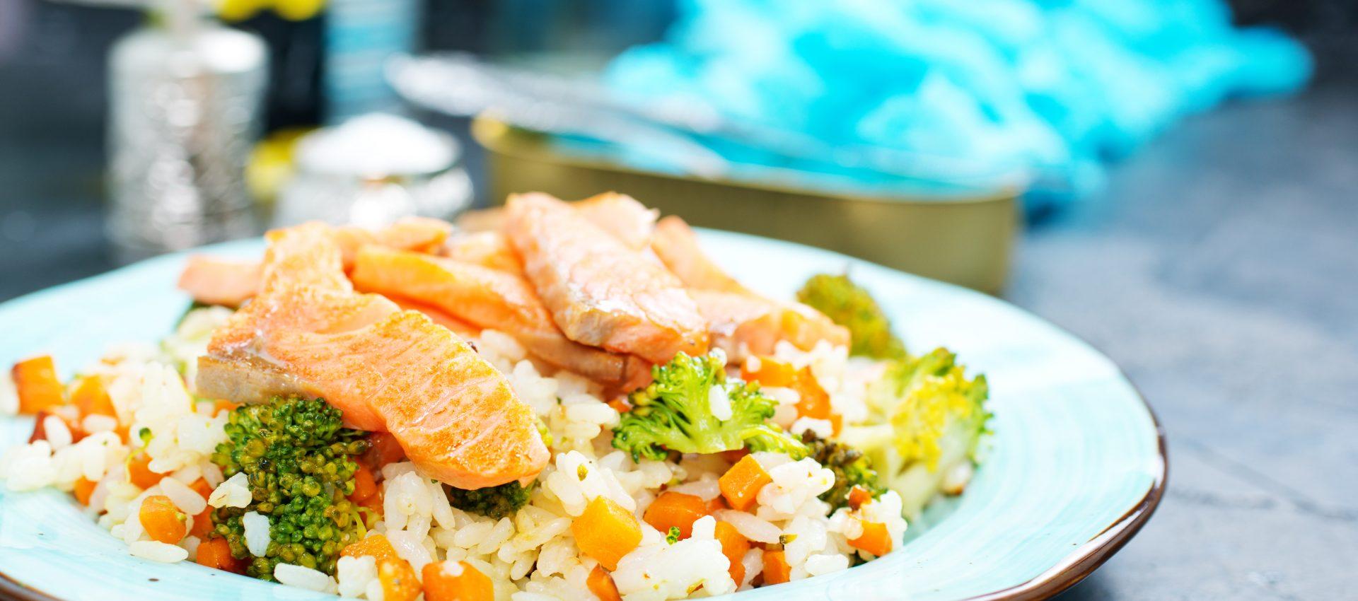 Filet de saumon au riz et légumes au cookeo