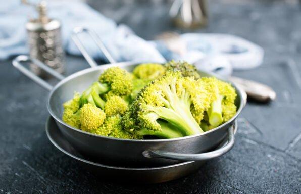 Salade pommes de terre, brocolis et vinaigrette à l'échalote au cookeo